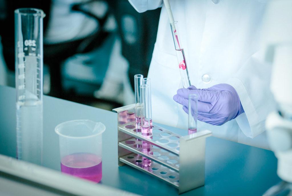 Cómo evitar enfermedades hereditarias en la reproducción asistida con los estudios genéticos