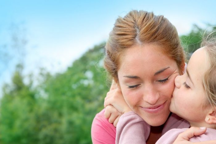 Cómo-tener-vida-social-siendo-madre-soltera-e1464603661908-700x466